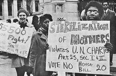Women picket in 1971