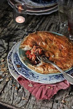 Tarte de bacalhau e mexilhões # Cod and mussels tart from Pratos e Travessas | Recipes, photography and stories