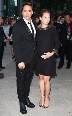 Robert Downey Jr.'s Pregnant Wife Susan Cradles Her Baby Bump at The Judge Premiere?See the Expectant Couple! | E! Online Mobile