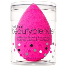 Beauty Blender - A MUST! Must be Beauty Blender brand (fakes are not nearly as good! Used damp to apply foundation, concealer, and even powder. Blushes, Makeup Tools, Makeup Brushes, Makeup Sponges, Beauty Brushes, Original Beauty Blender, Pop Up Shop, Beautyblender, Makeup Trends