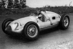 Tazio Nuvolari su Auto Union | Flickr - Photo Sharing!