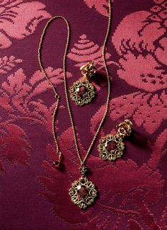 Baroque earrings, necklaces, rings and bracelets with cameo - D&G Jewellery   Jewellery Dolce&Gabbana