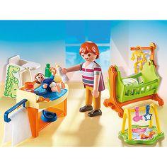 Das Babyzimmer (PLAYMOBIL-Nr.: 5304) ist ein ideales Ergänzungsset zum Puppenhaus.<br /> <br /> Im großen alten Puppenhaus gibt es ein Zimmer nur für das Baby. Mit Wickeltisch, Wiege und Spielecke.<br /> Und kann das Baby mal nicht einschlafen singt der Papa ihm ein Gutenachtlied vor.<br /> <br /> Features:<br /> - Wiege ist beweglich<br /> <br /> Inhalt:<br /> - Teile: 28<br /> - Fig...