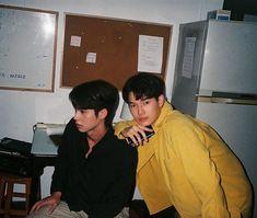 K Pop, Dramas, Isak & Even, Bright Wallpaper, Boyfriend Photos, Bright Pictures, Handsome Prince, Cute Gay Couples, Thai Drama