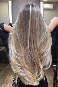 Top Dark Blonde Hair Color Ideas For 2021 ★ Blonde Hair Black Girls, Dark Blonde Hair Color, Hair Color Streaks, Ash Blonde Hair, Blonde Honey, Sandy Blonde, Color Highlights, Platinum Blonde, Blonde Balayage