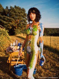 Milo Moiré on | Artists and models, Conceptual artist