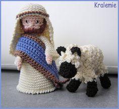 2013_01_27_Crocheted Christmas Creche Figures 6B.jpg