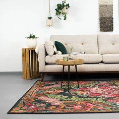 Vloerkleed-Estate Rozenkelim Goud is een prachtige rozen vloerkleed. Uniek design waardoor je woonkamer een ware makeover krijgt. Je shopt hem hier Exterior Design, Interior And Exterior, Art Nouveau, Art Deco, Organic Art, Floral Motif, Sweet Home, New Homes, Flooring