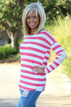 Hair Beauty - Coral & White Striped Top with Crochet Patch Sleeves - One Faith Boutique Medium Hair Cuts, Short Hair Cuts, Medium Hair Styles, Short Hair Styles, Medium Layered Hair, Haircut For Thick Hair, Haircut And Color, One Faith Boutique, Shoulder Length Hair
