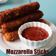 Fun and tasty mozzarella sticks made from a cheese stick. This delicious appetizer is perfect for a family meal or for watching your favorite football team. Cheese Appetizers, Yummy Appetizers, Baked Mozzarella Sticks, Cheese Sticks Recipe, Tasty Videos, Easy Meals For Kids, Prosciutto, Brie, Bruschetta