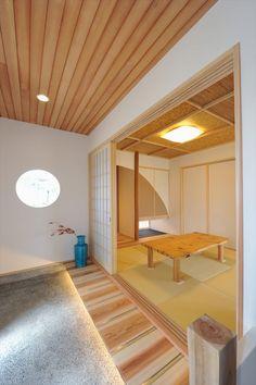 土間玄関と一段上がった畳ダイニングのある家 Japanese Modern, Japanese House, Japanese Design, Natural Interior, Japanese Architecture, Architect Design, My Dream Home, House Design, Interior Design