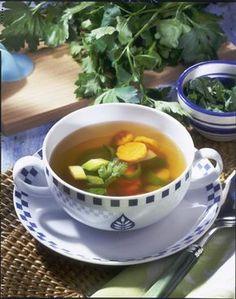 Unser beliebtes Rezept für Klare Gemüsesuppe und mehr als 55.000 weitere kostenlose Rezepte auf LECKER.de.