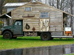 Log cabin on wheels