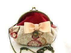 Bolsos al hombro - Bolso con boquilla - relojes- - hecho a mano por LatiendaVintagedeKima en DaWanda