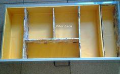 Organizador de gaveta com caixa de papelão e caixa de leite