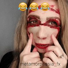 funny, girl, make-up Makeup Gif, Makeup Videos, Funny Memes, Hilarious, Cosplay Armor, Fail Video, Daily Funny, Junk Drawer, Cool Costumes