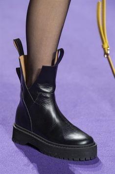 good shoes for flat feet Brooks Women s Ravenna 10 Amazon co uk Shoes Bags