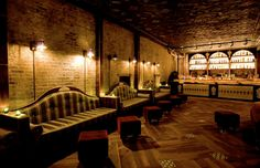 10 New York Bars with Awesome Interiors