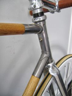 Where form, function,  Wood and metal collide,  intersecting  at art.    VÉLO FIXED GEAR by Félix Guyon, via Behance