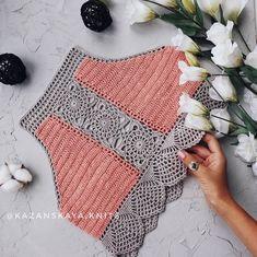 Fabulous Crochet a Little Black Crochet Dress Ideas. Georgeous Crochet a Little Black Crochet Dress Ideas. Bikinis Crochet, Crochet Bra, Crochet Bikini Pattern, Crochet Halter Tops, Crochet Crop Top, Crochet Blouse, Crochet Clothes, Crochet Stitches, Crochet Dresses