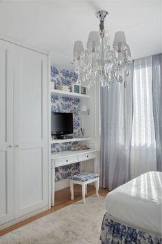 Confira o passo a passo para aplicar o tecido na parede, referências lindas e onde você pode comprar o seu sem sair de casa.
