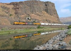 Union Pacific Portland Sub along the Columbia River. Moody, Oregon