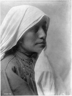 A Taos Woman, 1905. Edward Sheriff Curtis Photography