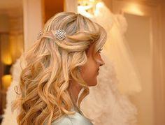 Long loose curls wedding hair style  http://goodbyemiss.com/wedding/inspiration-wedding-hair
