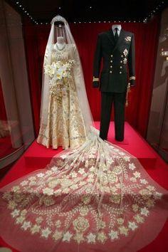 Trajes de casamento de Elizabeth e Phillip