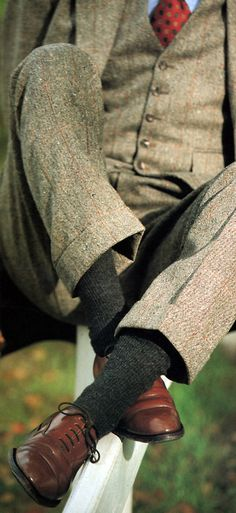 tweed 3-piece/ wool socks/ cap toe balmorals, bar laced
