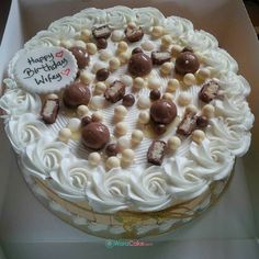 12 inches ! Wafer surrounded ! Chocolate ! White icing ! Delivery to Victoria Island ! #waracake