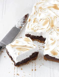 S'mores Brownie Bars + 14 other Delicious & Unique S'more Recipes