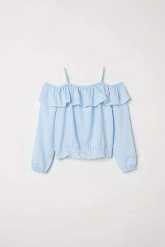 Open-shoulder blouse in woven viscose fabric. Narrow adjustable shoulder straps elastication and flounce at top and long sleeves with elasticized cuffs. Kids Outfits Girls, Girls Fashion Clothes, Teen Fashion Outfits, Kids Fashion, Kids Clothing, Cute Comfy Outfits, Pretty Outfits, Cool Outfits, Casual Outfits
