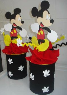 Use coffee cans or baby formula cans and recover with paper. Baby Mickey Mouse, Mickey Mouse Clubhouse, Fiesta Mickey Mouse, Mickey Mouse 1st Birthday, Mickey Mouse Parties, Mickey Party, Mickey Mouse And Friends, Baby Formula Cans, Theme Mickey