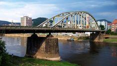 Nejstarší ocelový most obloukové konstrukce v České republice najdeme na severu Čech, konkrétně v Děčíně. Dva břehy Labe spojuje už od 30 let 20. století. Lab, Bridge, Labrador, Loft, Labs, Bro