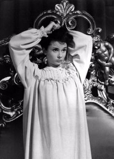 Written by John Dighton and Dalton Trumbo, Roman Holiday is a 1953 American romantic comedy film directed and produced by William Wyler. Audrey Hepburn Roman Holiday, Audrey Hepburn Movies, Audrey Hepburn Photos, Dalton Trumbo, William Wyler, Henry Fonda, Princess Anne, Fair Lady, Comedy Films
