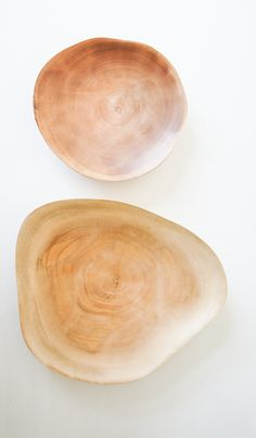 Mango Wood Plates  Leuchtend Grau - Interiorblog celebrating soft #minimalism (www.leuchtend-grau.de)