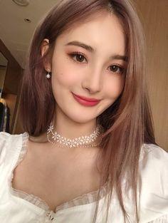 Korean Beauty Girls, Korean Girl, Makeup Korean Style, I Icon, Everyday Makeup, Ulzzang Girl, Your Girl, Pretty Face, Lana
