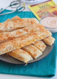 Cheesy Chicken Taco Breadstick Dippers from /jennyflake/