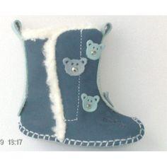 Marimi disponibile: 15, 16, 17, 18, 19, 20, 21  Ghete din piele naturala cu captuseala din blanita de bumbac.  Faptul ca ghetuta se deschide complet pana la jumatate faca mai usoara incaltarea.  Model cu ursuleti bleu. Mai, Boots, Winter, Model, Fashion, Crotch Boots, Winter Time, Moda