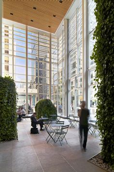 Indoor plants @ Bank of America Tower at One Bryant Park / Cook Fox Architects