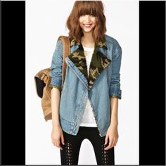 IN SEARCH OF! Denim jacket with a camo fleece Looking for this jacket in a small or medium! Denim jacket camo Sherpa from nasty gal Nasty Gal Jackets & Coats Jean Jackets