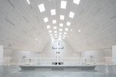 BEL architecten, Tim Van de Velde · Municipal Sports Centre · Divisare Arch Light, Centre, Van, Sports, Interiors, Hs Sports, Bow Light, Decoration Home, Vans
