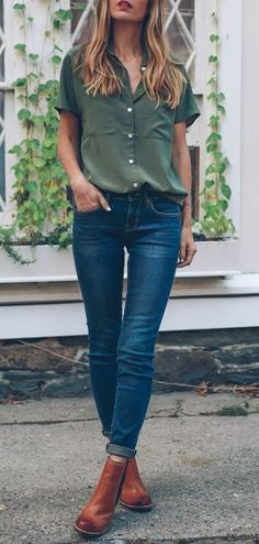 simple casual style outfit: shirt + skinnies + boots