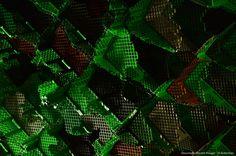 On aborde généralement le travail de Vincent Mauger par la forme ou la matière.