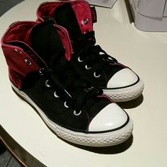 Hightop Chuck Taylor Converse Hightop Converse  Size 4  Used But Still good Condition Converse Shoes Sneakers