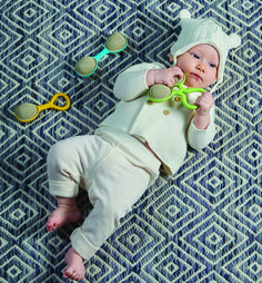 We design and develop toys that help to create a smoother parenting experience, allowing you for focus on enjoying every moment with your baby, whether its meal time, bed time, play or simply going on a stroll. Developmental Toys, Bedtime, Parenting, Baby, Style, Swag, Stylus, Newborns, Infant