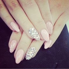 Light pink nails with Swarovski crystals. Creative Nail Designs, Pretty Nail Designs, Creative Nails, Classy Nails, Stylish Nails, Bride Nails, Wedding Nails, Laque Nail Bar, Swarovski Nails