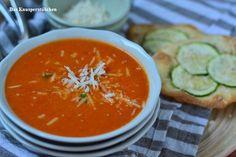 Roasted Tomato Parmesan Soup & Flatbread | Das Knusperstübchen