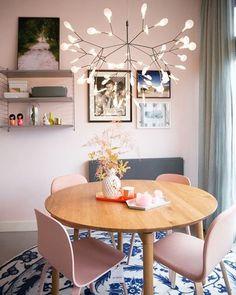 Mesa redonda + lustre
